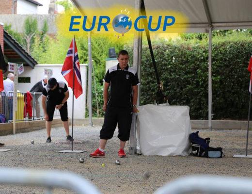 Do finále EuroCupu postoupil obhájce z Belgie, Anglie cítí křivdu