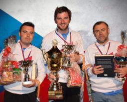 Michálek slaví čtvrtý titul v trojicích, Konšel vyhrál poprvé